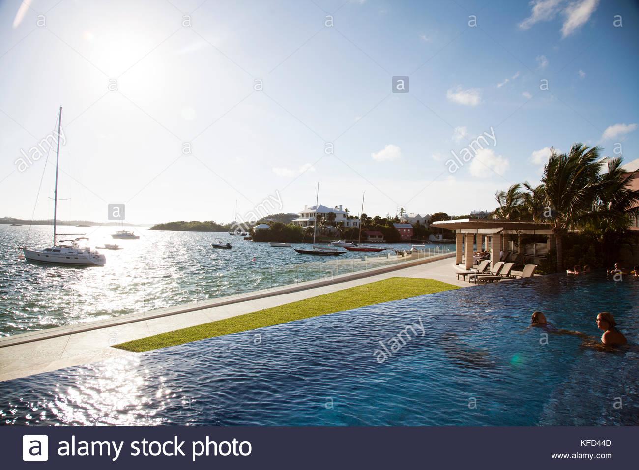 BERMUDA The Infinity Pool at the Hamilton Princess Beach Club 1300x956
