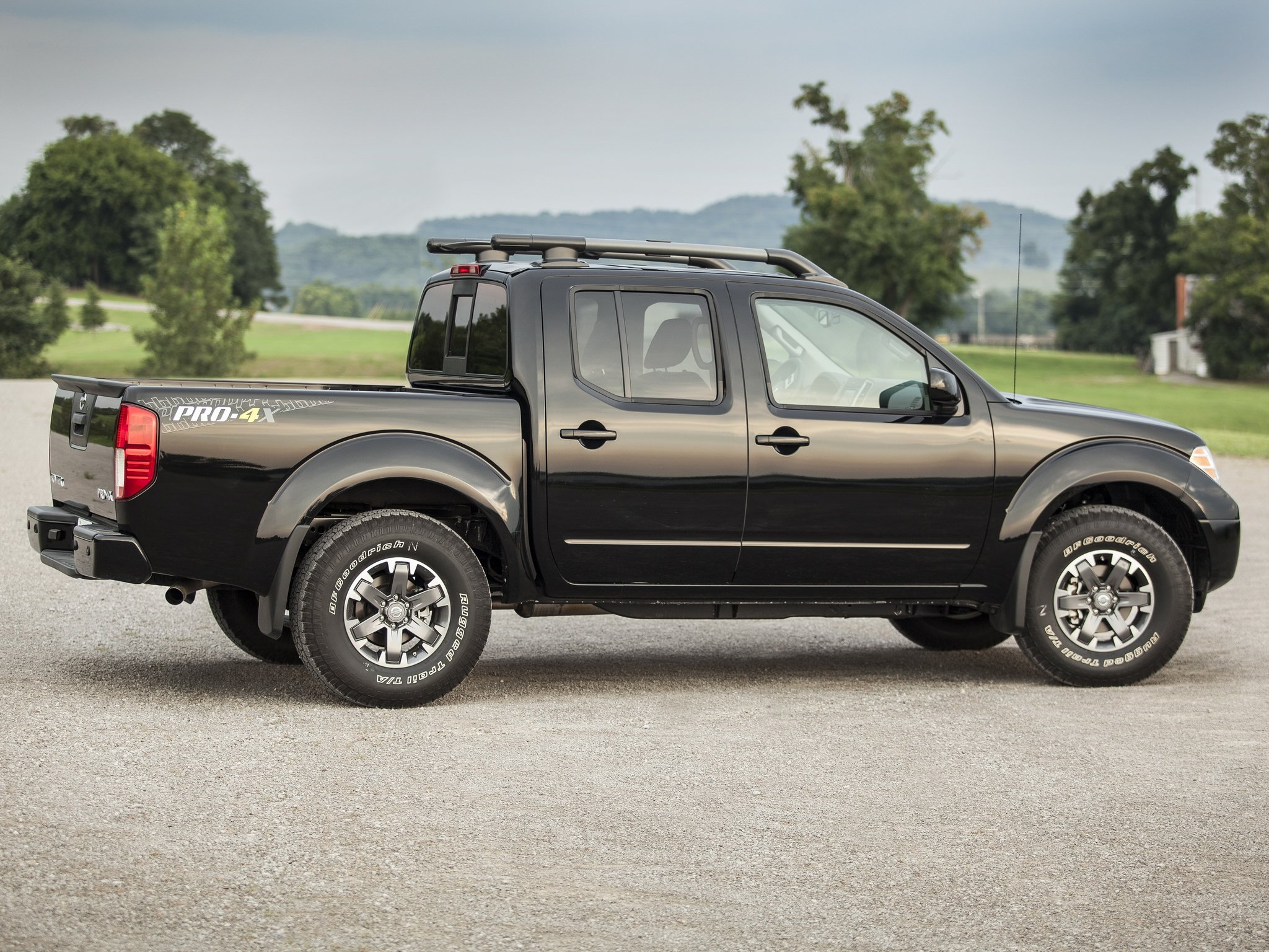 2009 nissan frontier pro 4x crew cab d40 pickup f wallpaper