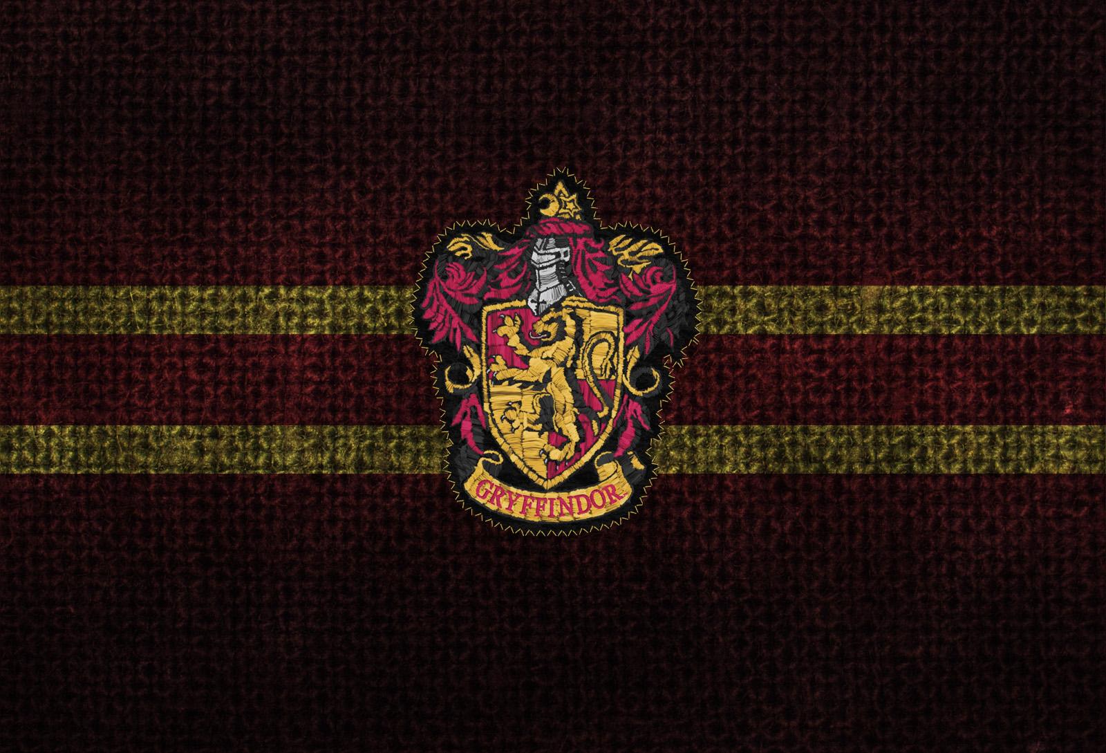 gryffindor harry potter hogwarts crest best widescreen background 1600x1089
