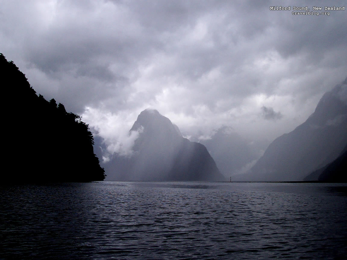 Sound New Zealand   right click and choose   set as background 1152x864
