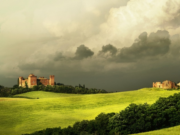 Wallpaper Old castle under thunderclouds in Tuscany Italy   Photos 630x473