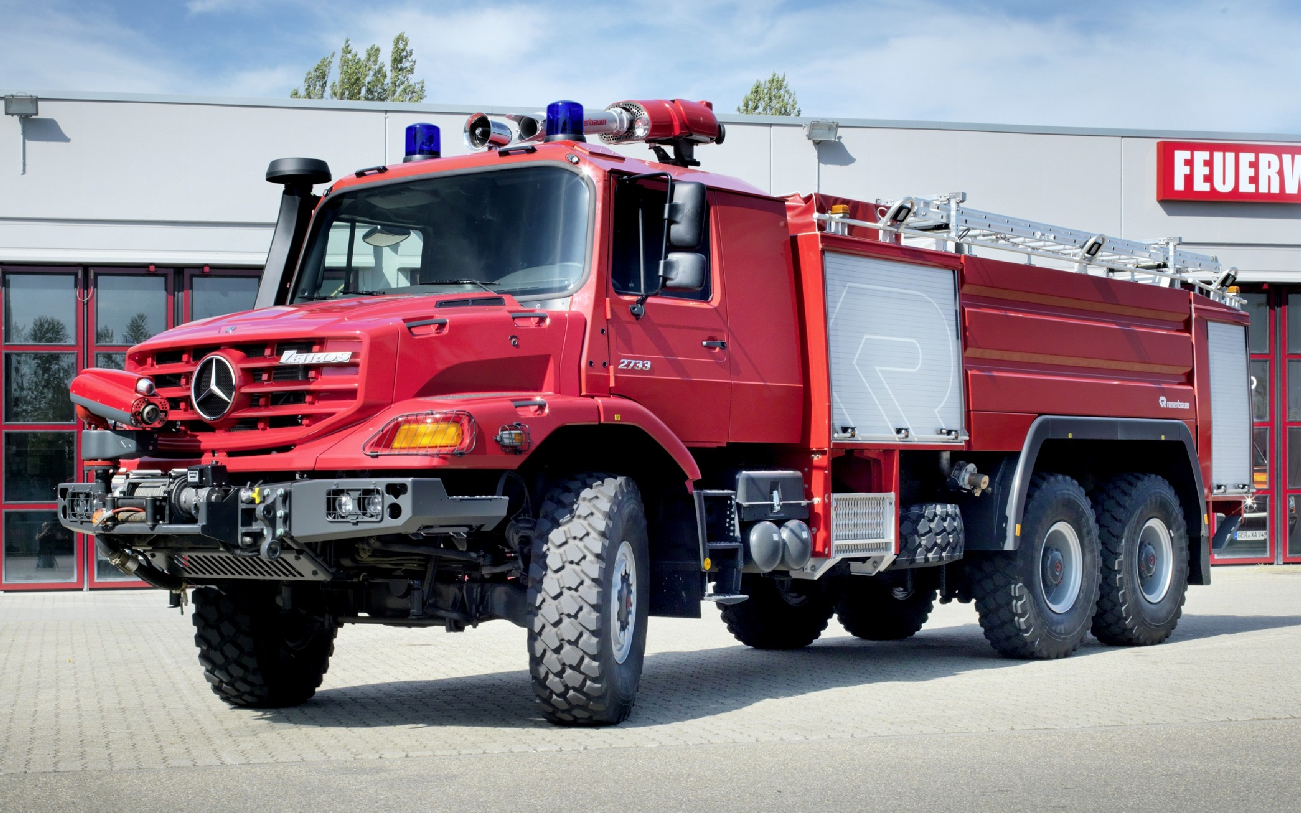Fire Truck Wallpaper Pictures 2560x1600
