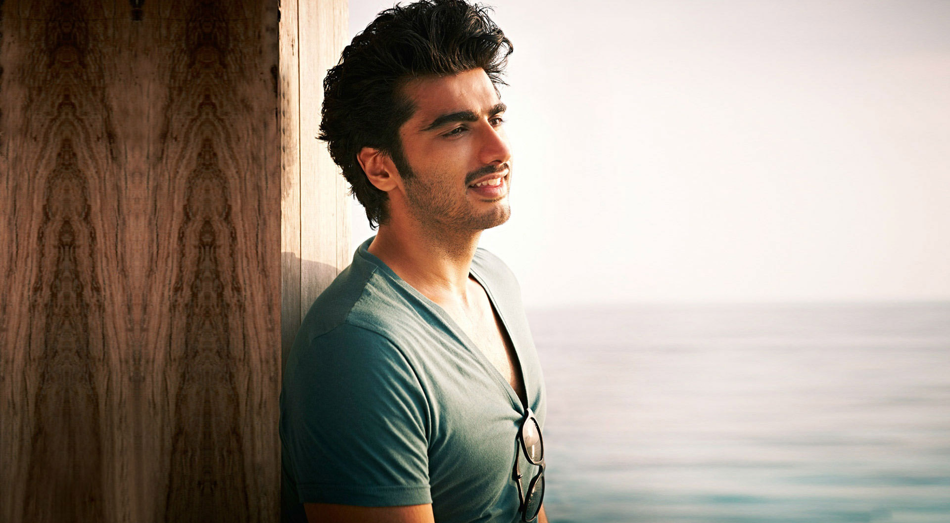 2560x1600 Arjun Kapoor latest wallpapers 2560x1600 Resolution 1920x1058