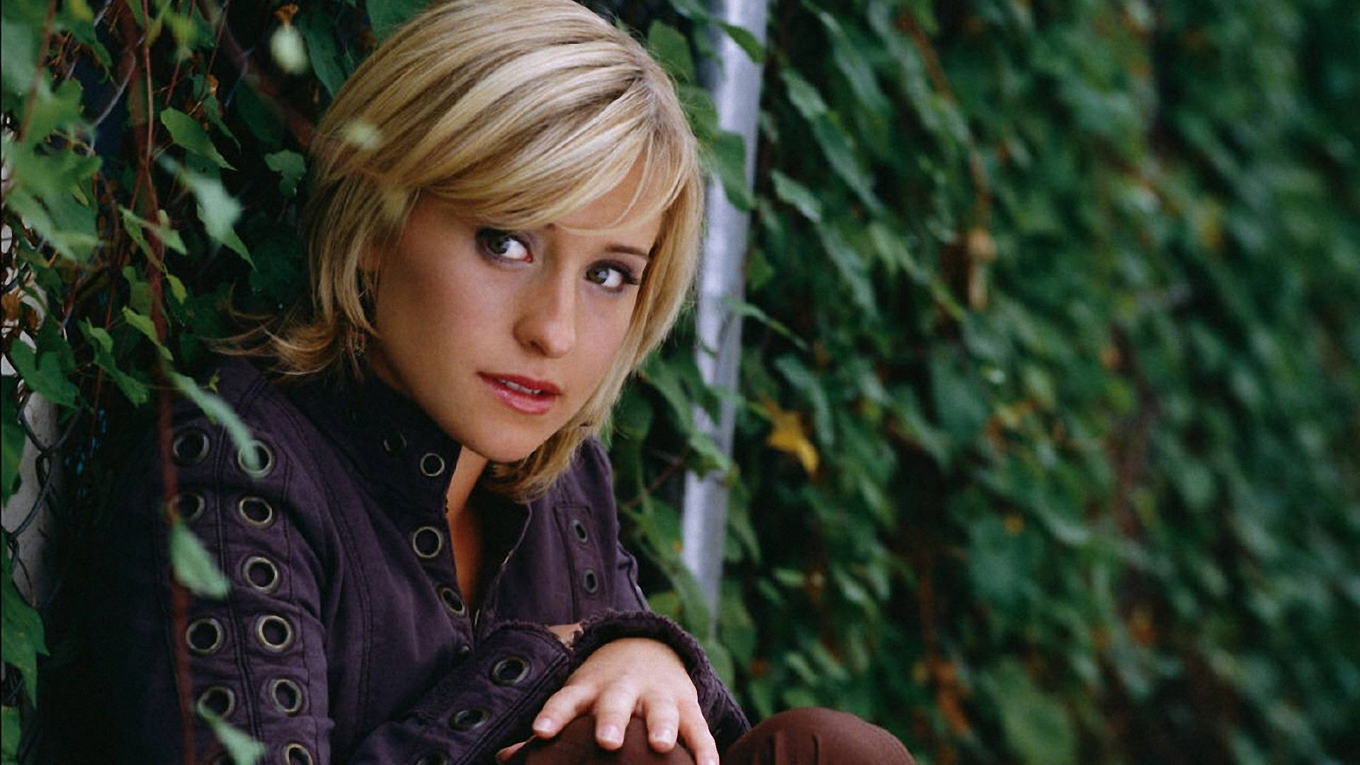 Allison Mack Wallpaper 1920x1080 Wallpapers 1920x1080 1920x1080