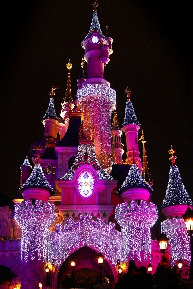 Disney Castle iPhone 4 Wallpaper and iPhone 4S Wallpaper 640x960