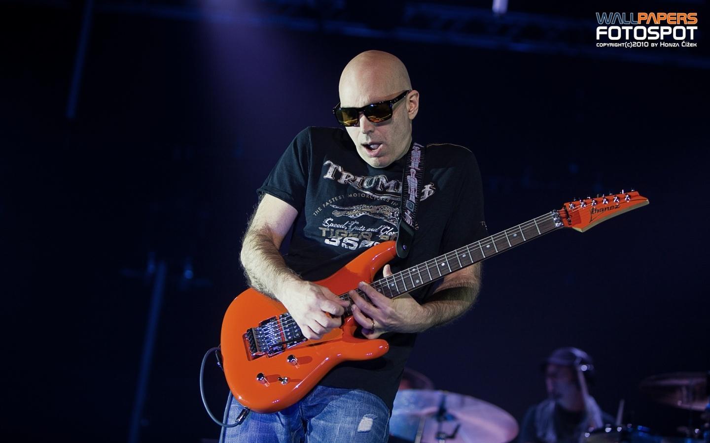 Joe Satriani wallpaper 1440x900
