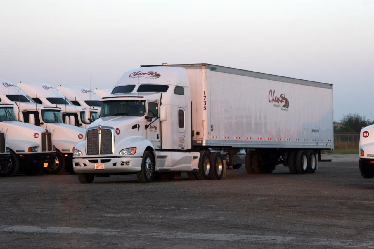 llc cuenta con una flotilla de trailers todos de reciente modelo y en 1280x853