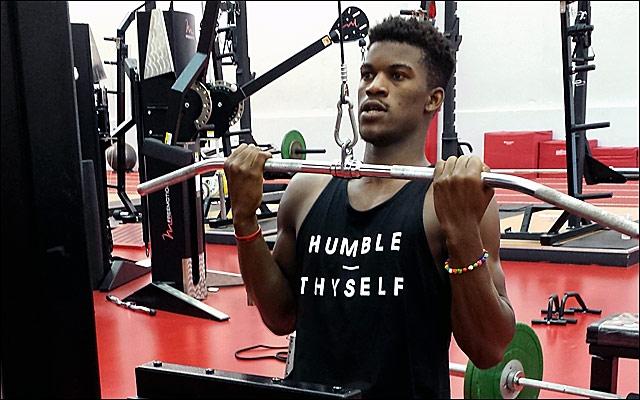 Jimmy Butler Wallpaper Jimmy butler lifts weights at 640x400