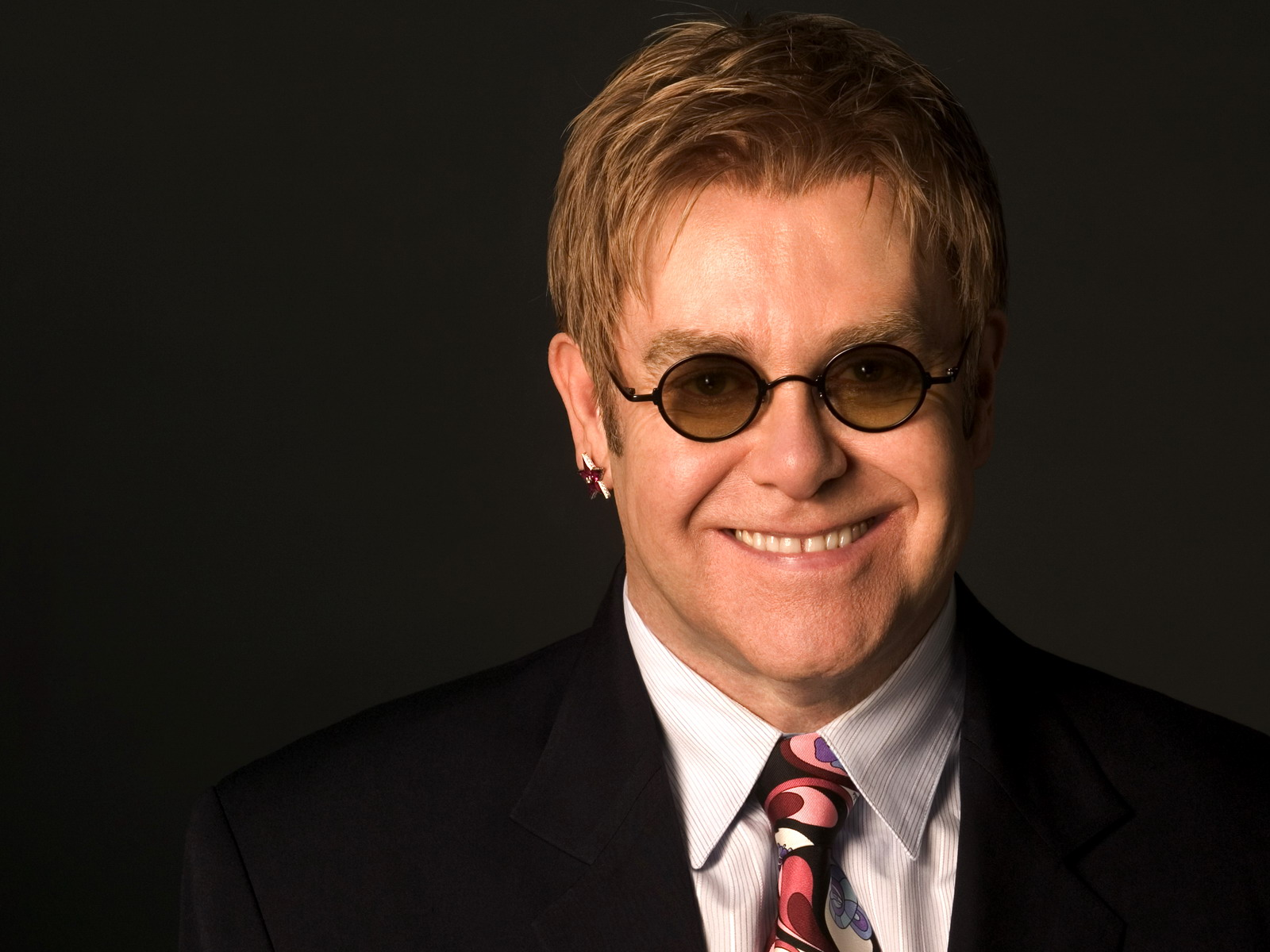 Elton John Smile Computer Wallpaper 60606 1600x1200px 1600x1200