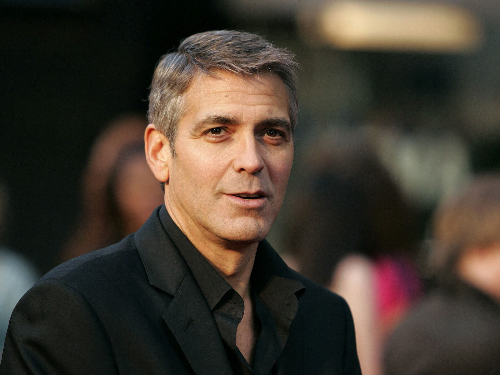 George Clooney Black Suit Wallpaper 617 1600x1200 px 1600x1200