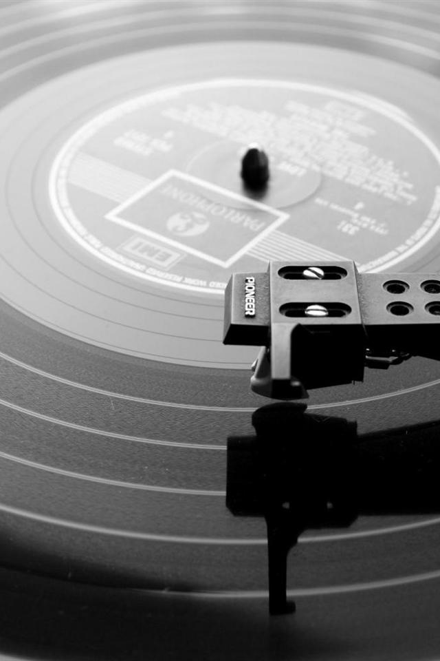 Record Player Wallpaper 640x960