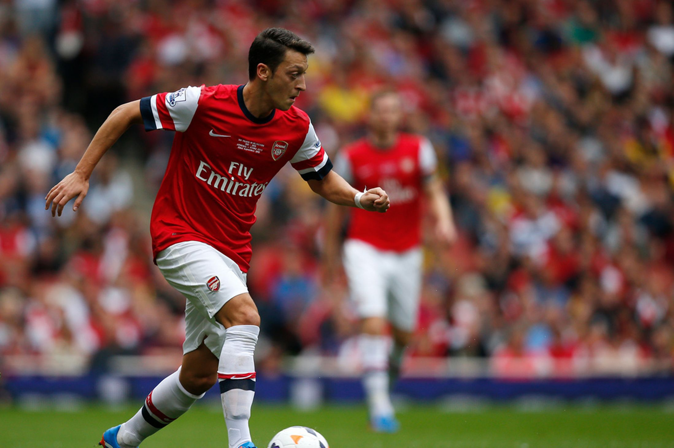 The player number 8 of Arsenal Mesut Ozil wallpapers and 2197x1461