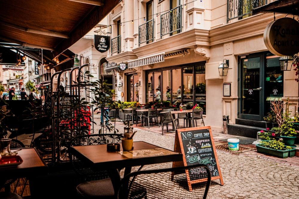 350 Best Cafe Pictures [HD] Download Images on Unsplash 1000x667