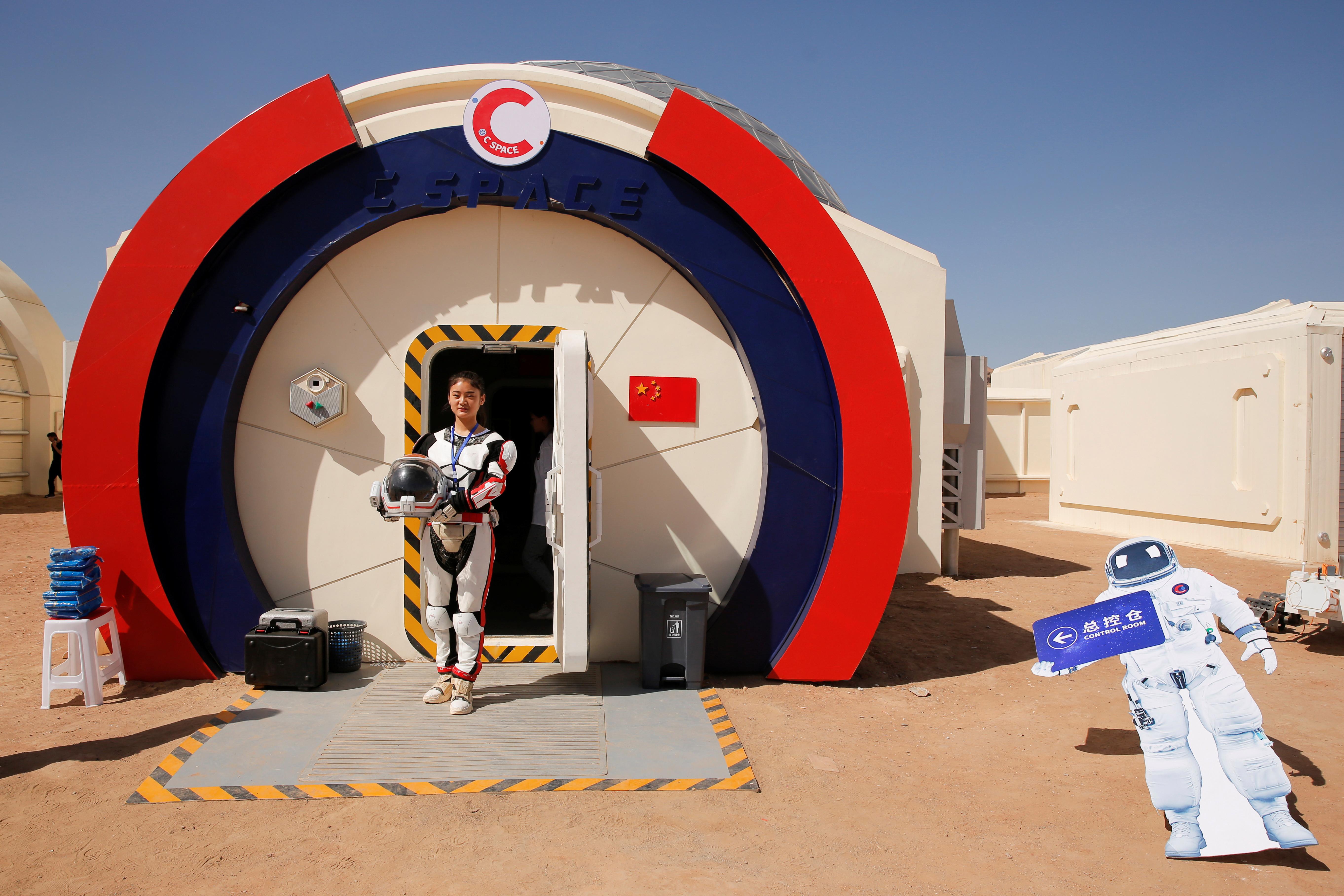 Chinas fake Mars base camp lets visitors explore Star Wars style 5449x3633