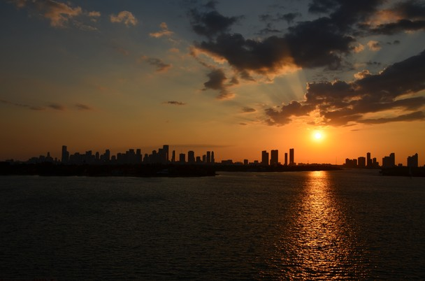 Miami Beach sunset   National Geographic Photo Contest 2011   National 608x402
