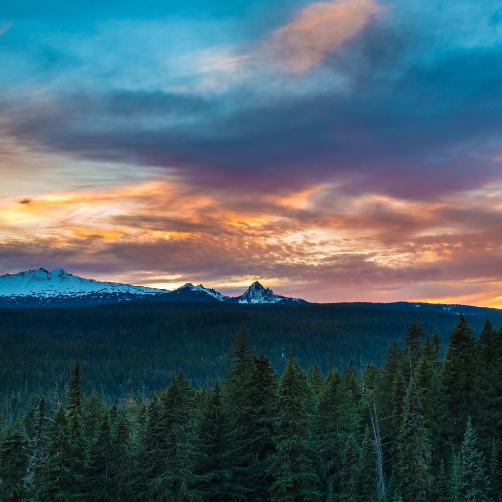 Diamond Peak Sunset By Robert Bynum iPad Pro Wallpaper 2732x2732 1024x1024