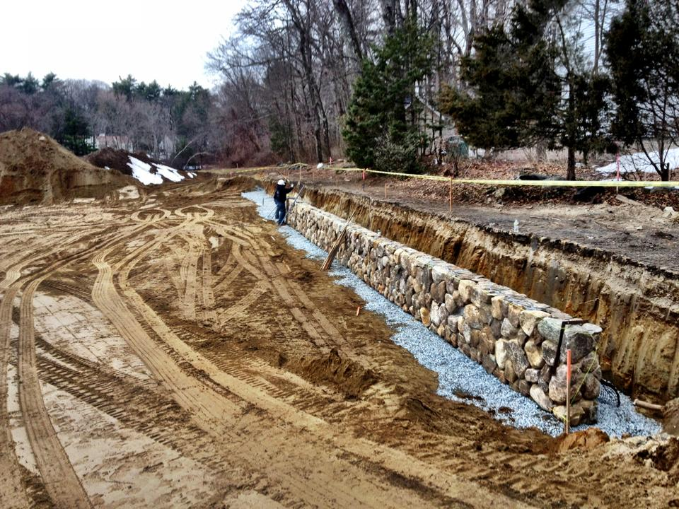 how to build a round fieldstone retaining wall