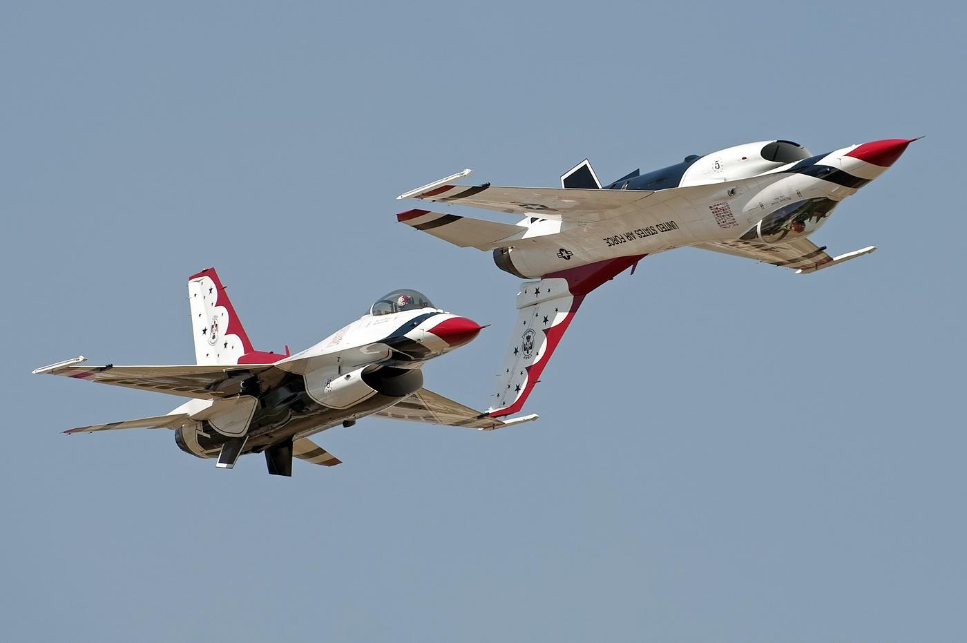F 16 Fighting Falcon Wallpaper