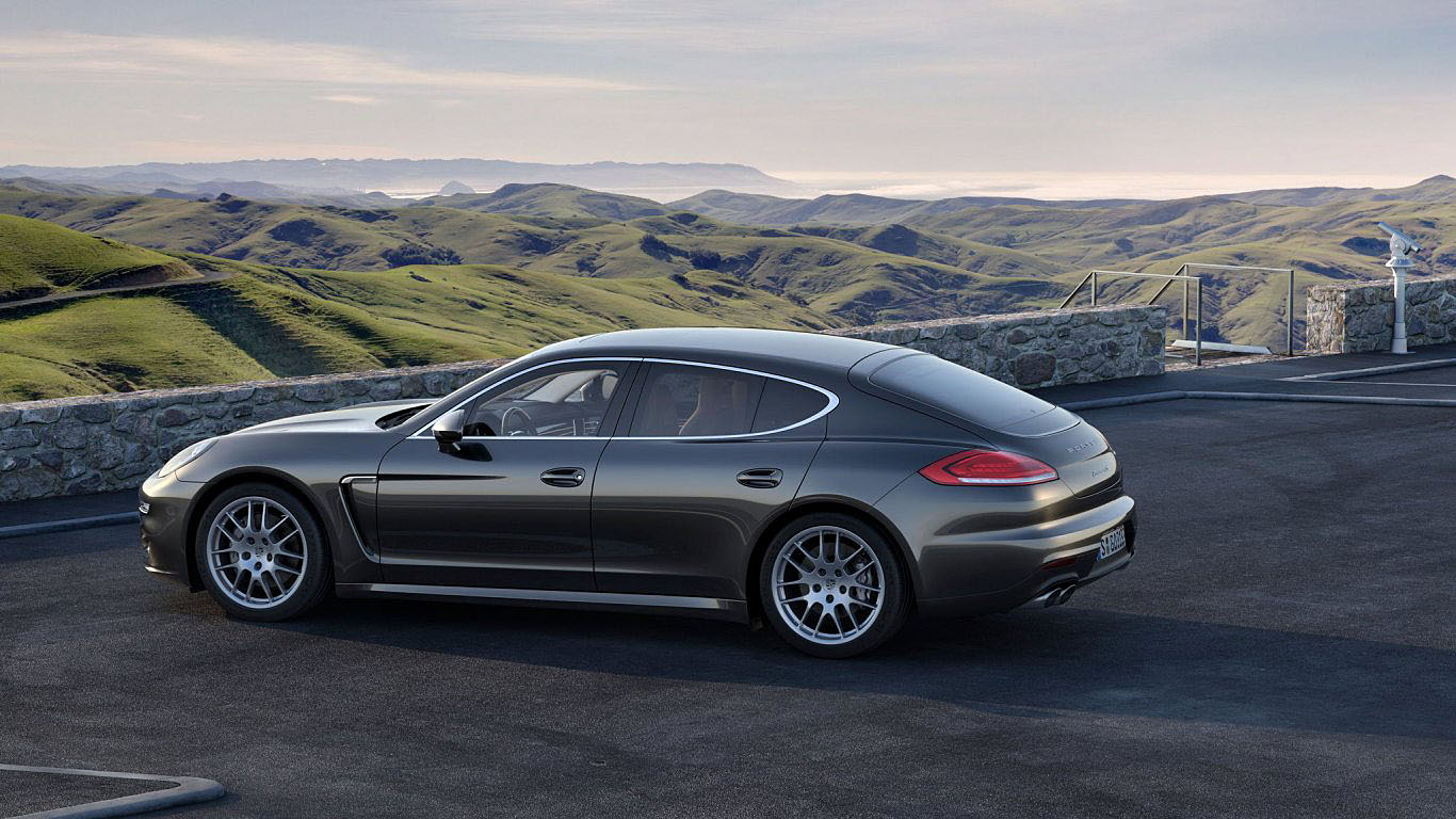 2014 Porsche Panamera Car HD Wallpaper 1366x768