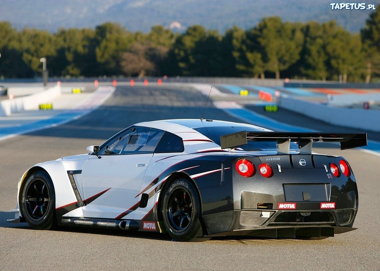 Nissan GT R Nismo 1613 Wallpapers 1250x892