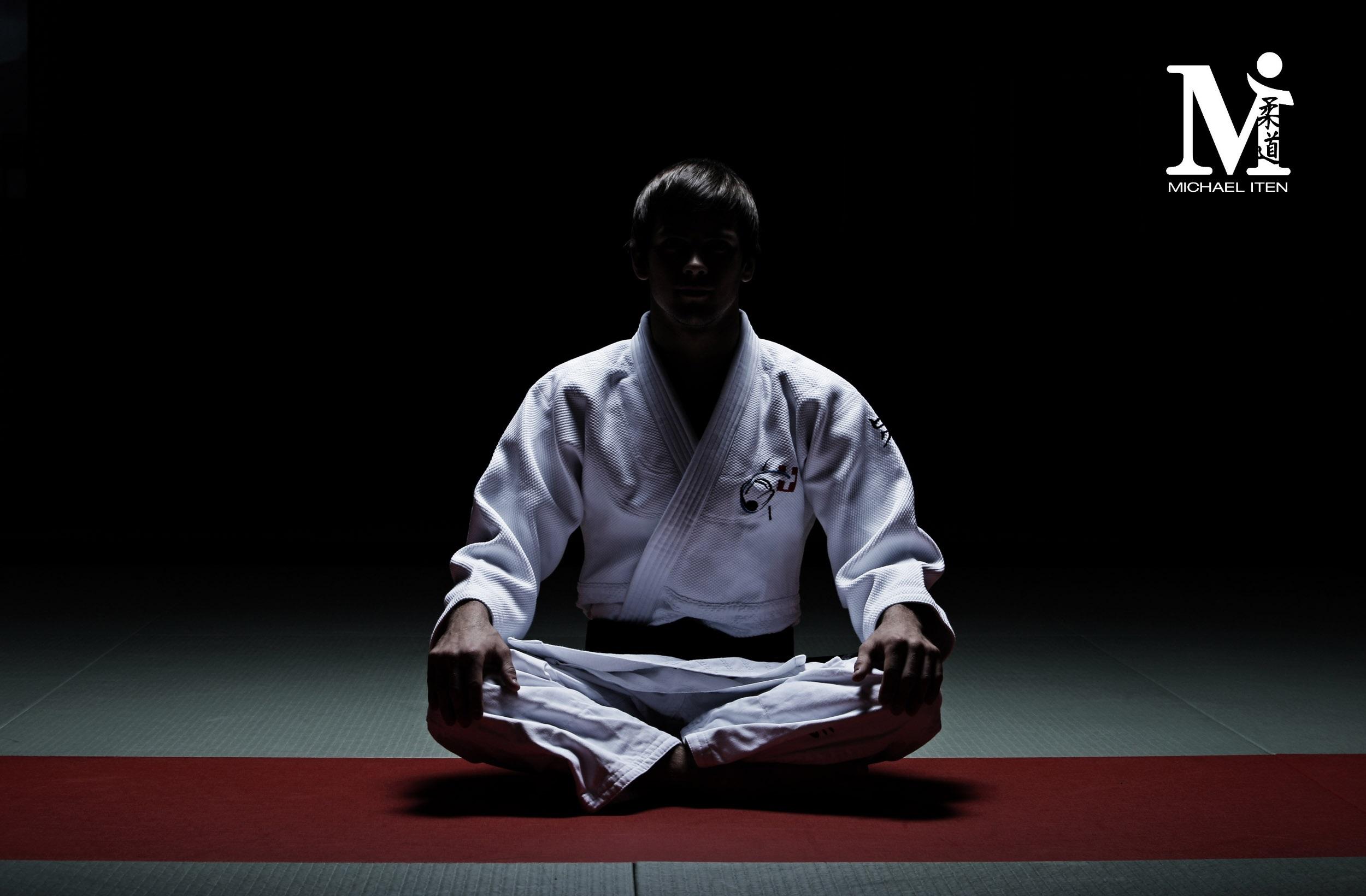 Judo Wallpaper 2500x1640