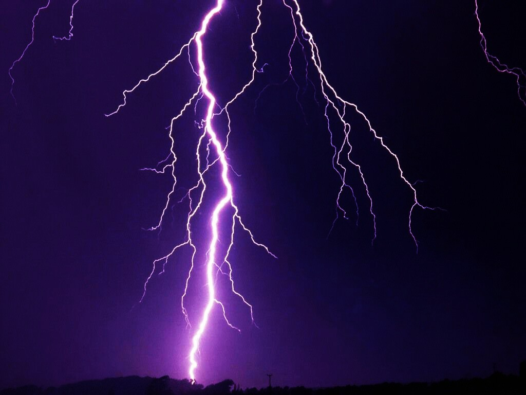 hd lightning wallpaper iphone With Resolutions 1024768 Pixel 1024x768