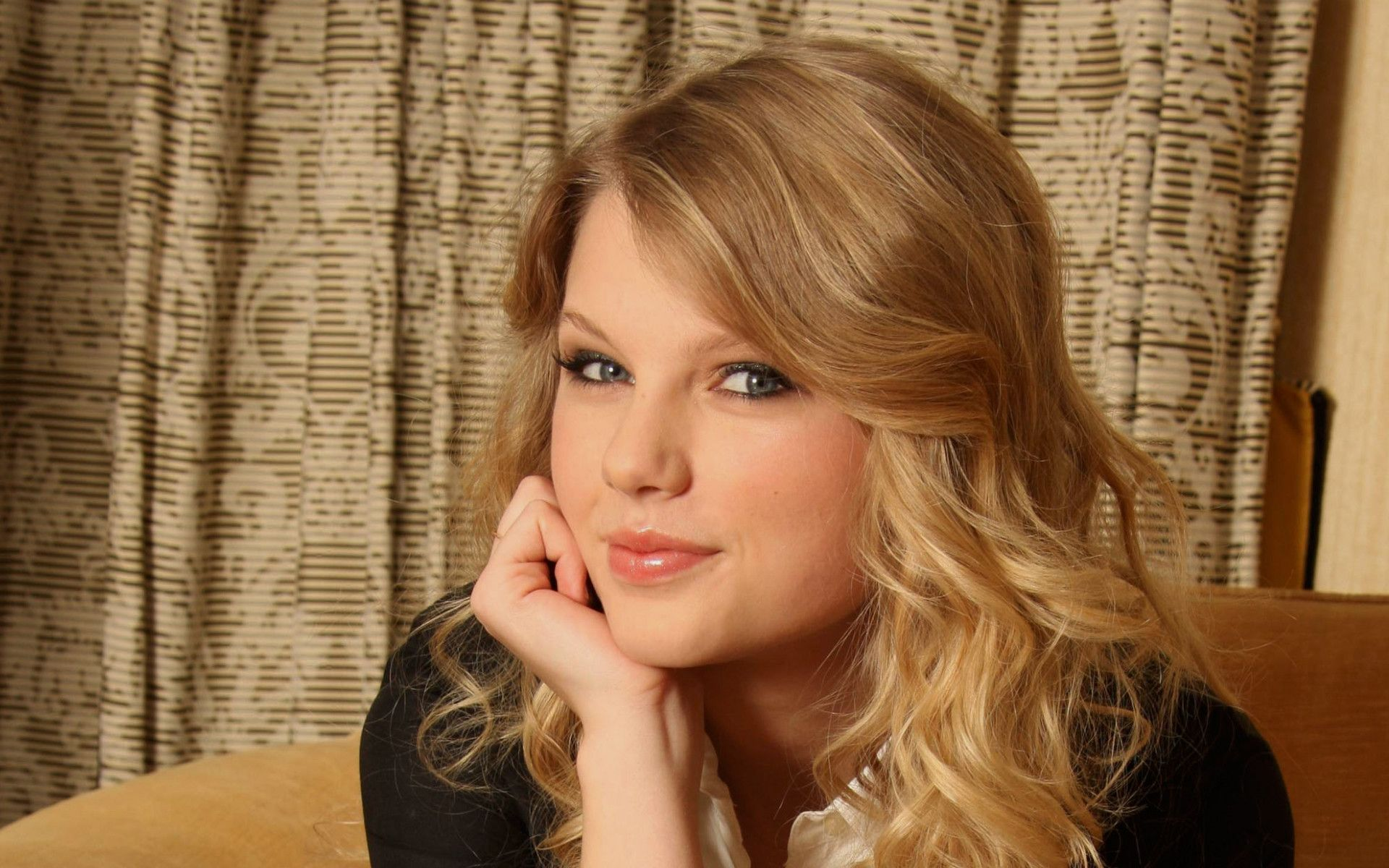 Taylor Swift Wallpapers HD Images Ten HD Wallpaper 1920x1200