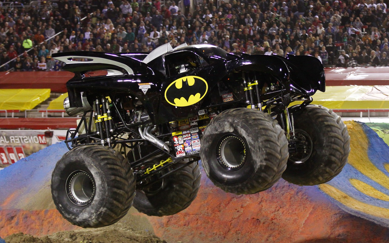 Free Download Monster Trucks 16659 Wallpaper Wallpaper Hd 1500x938 For Your Desktop Mobile Tablet Explore 68 Monster Trucks Wallpaper Grave Digger Wallpaper Grave Digger Monster Truck Wallpaper Monster Jam Wallpaper