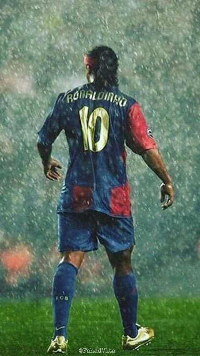Ronaldinho wallpaper Ronaldinho wallpapers Soccer photography 640x1138