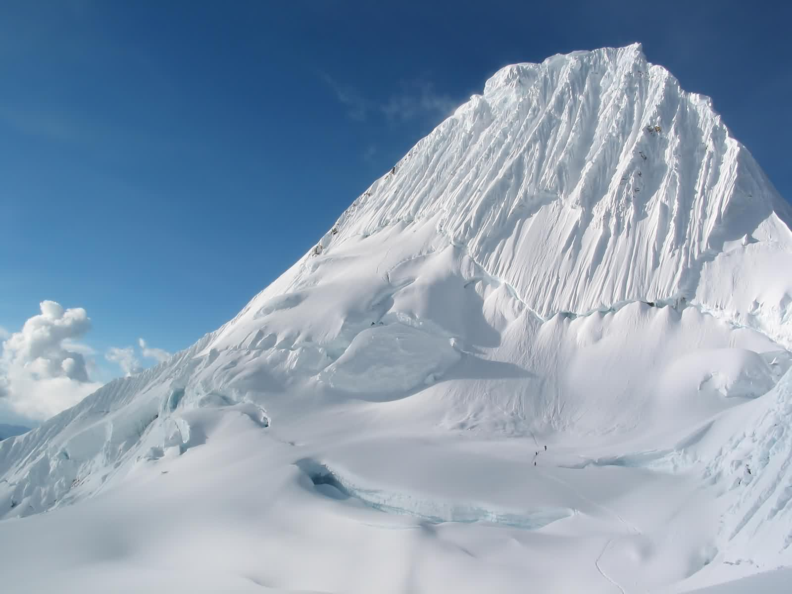 Snow Mountain Wallpaper Desktop - WallpaperSafari