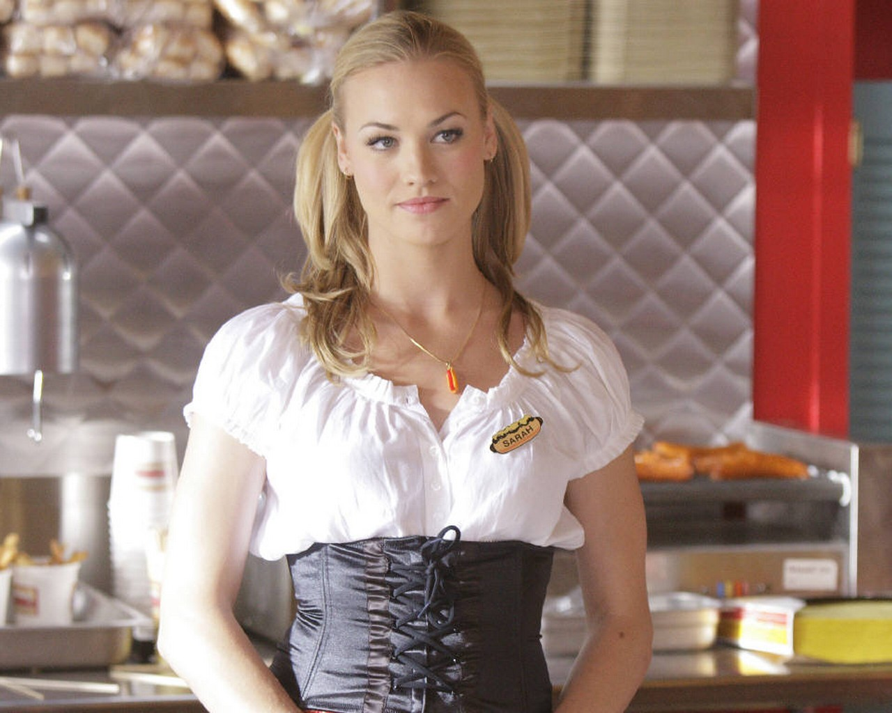 yvonne strahovski hd wallpapers yvonne strahovski hd wallpapers yvonne 1280x1024