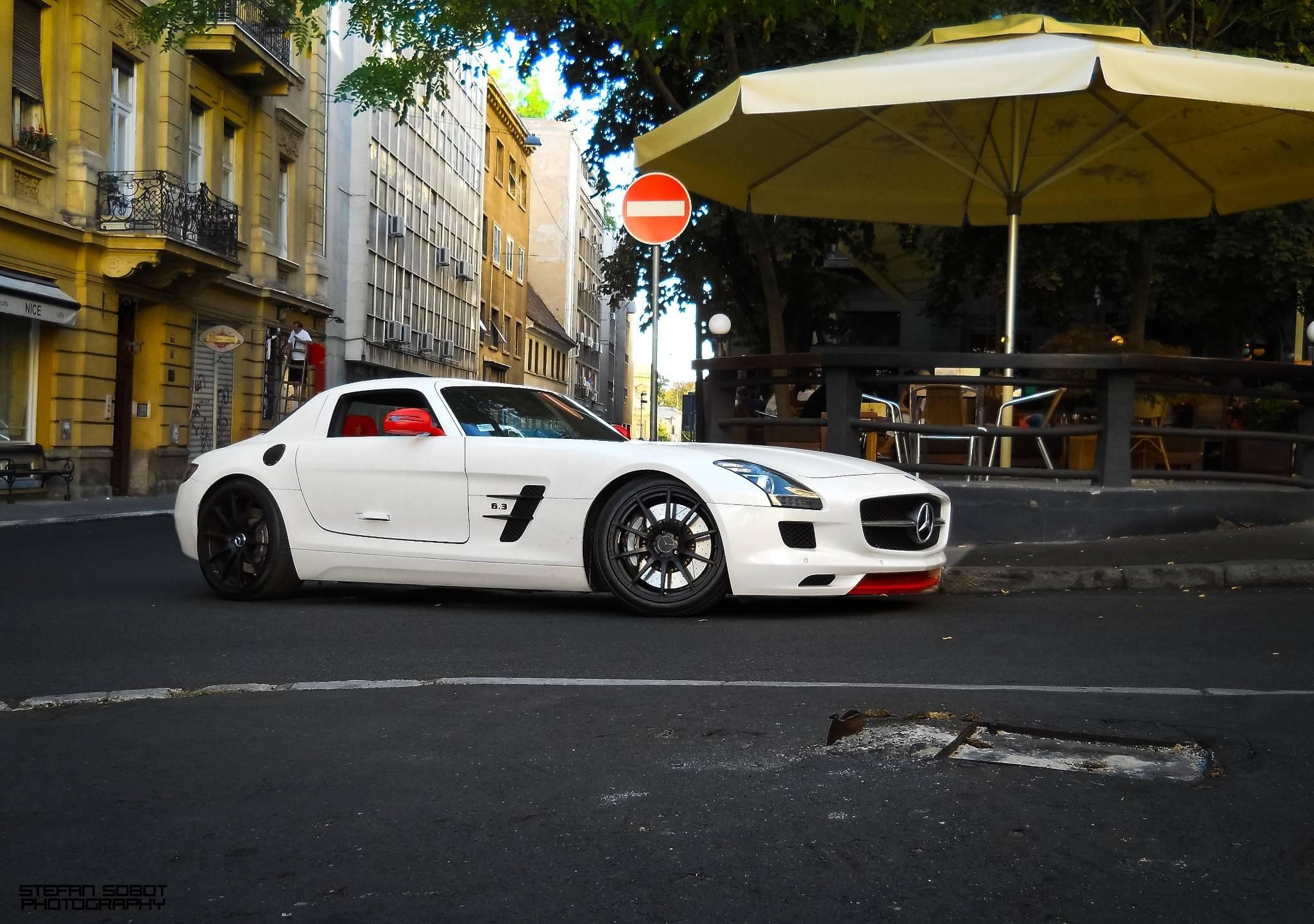 Cars 20481440 Wallpaper 2307893 2048x1440