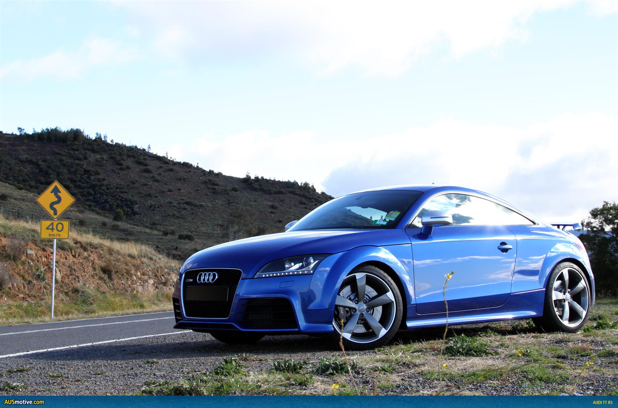 Audi tt rs HD Wallpaper Download 2000x1320