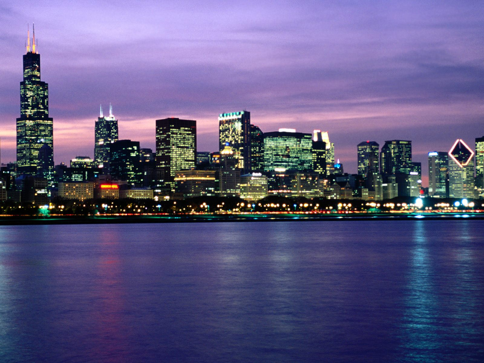 Download Background   After Hours Chicago Skyline 1600x1200