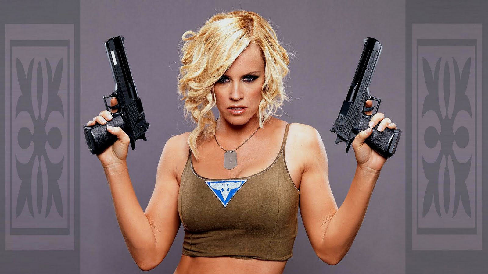 Women With Guns HD Hot Wallpapers Desktop Wallpapers 1600x900