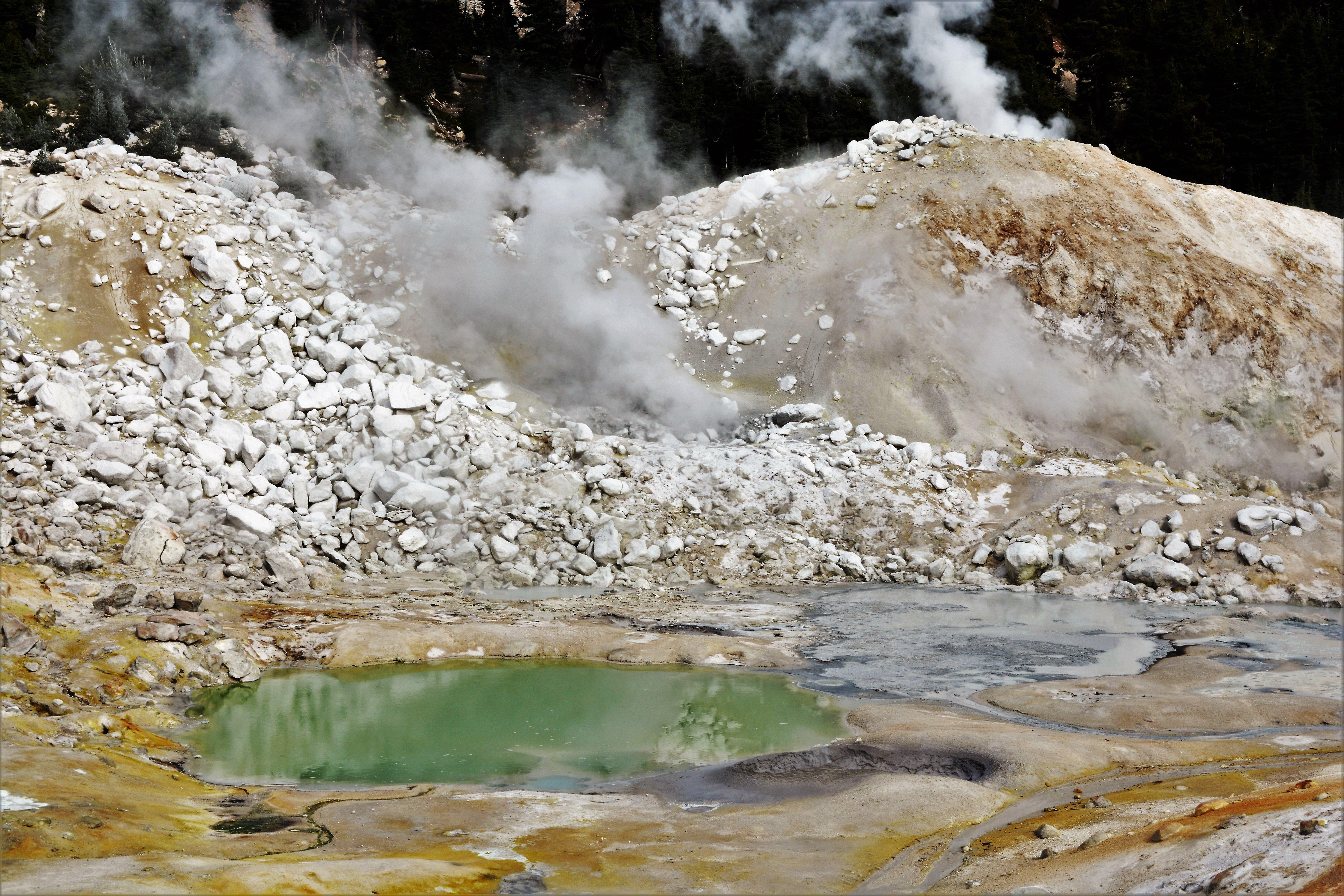 Bumpass Hell Lassen Volcanic Park   Sulfur and Steam 4K wallpaper 5974x3984