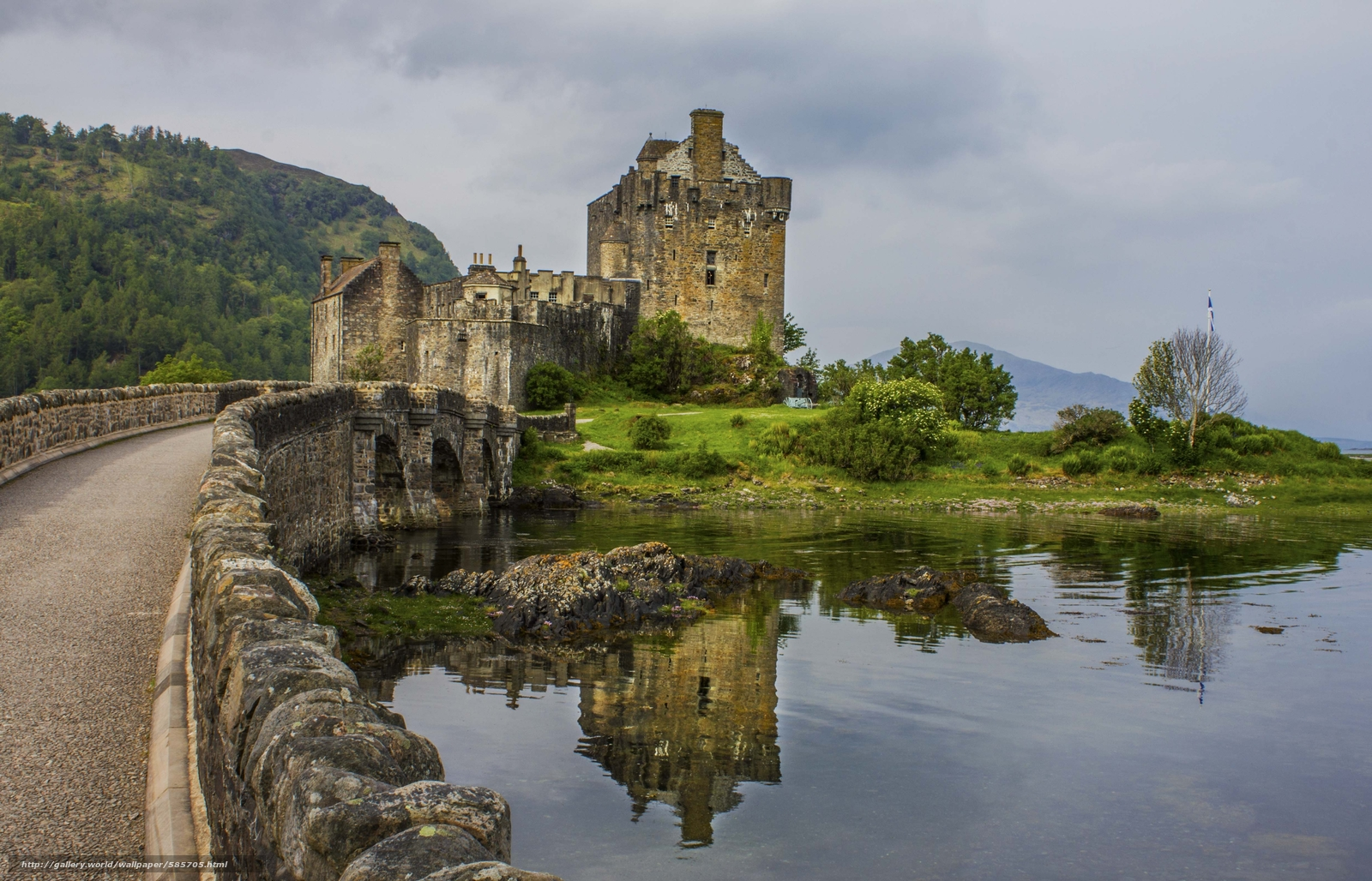 Download wallpaper castle Eilean Donan British Isles Scotland 1600x1028