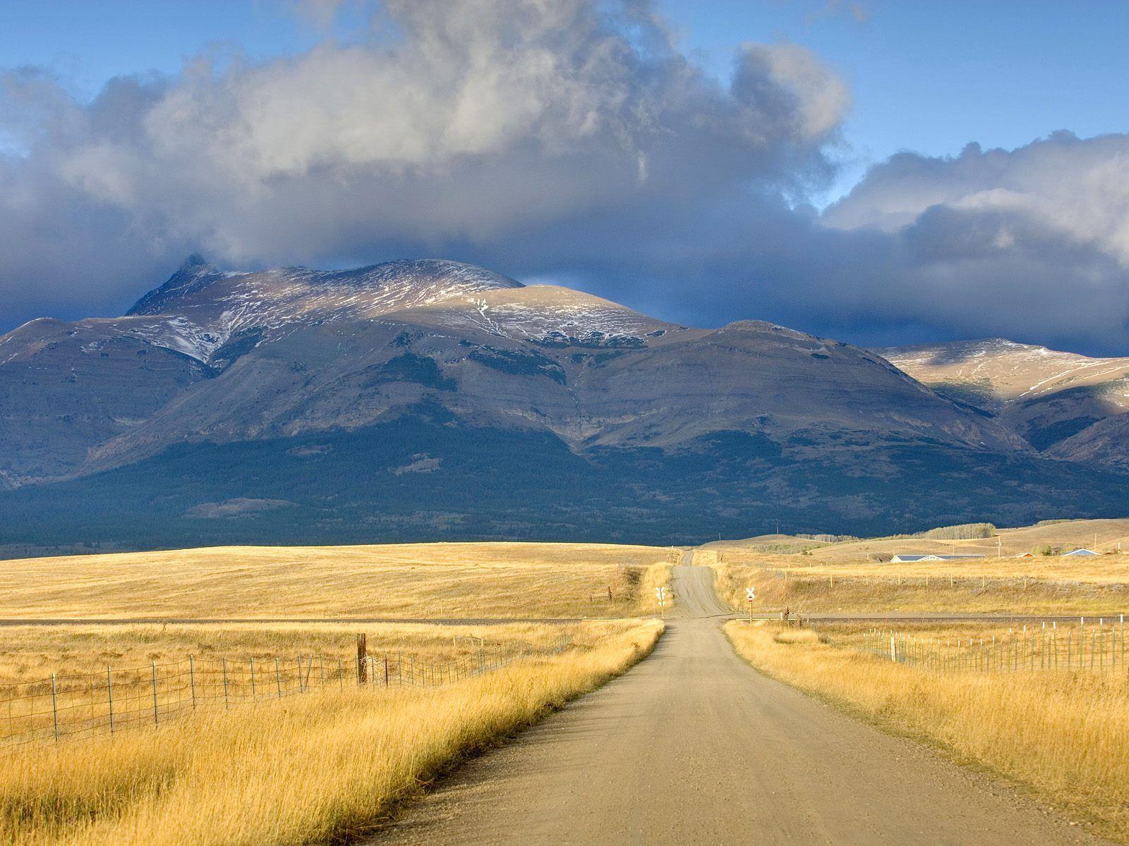 The Montana Plains Near Glacier National Park Montana in full screen 1600x1200
