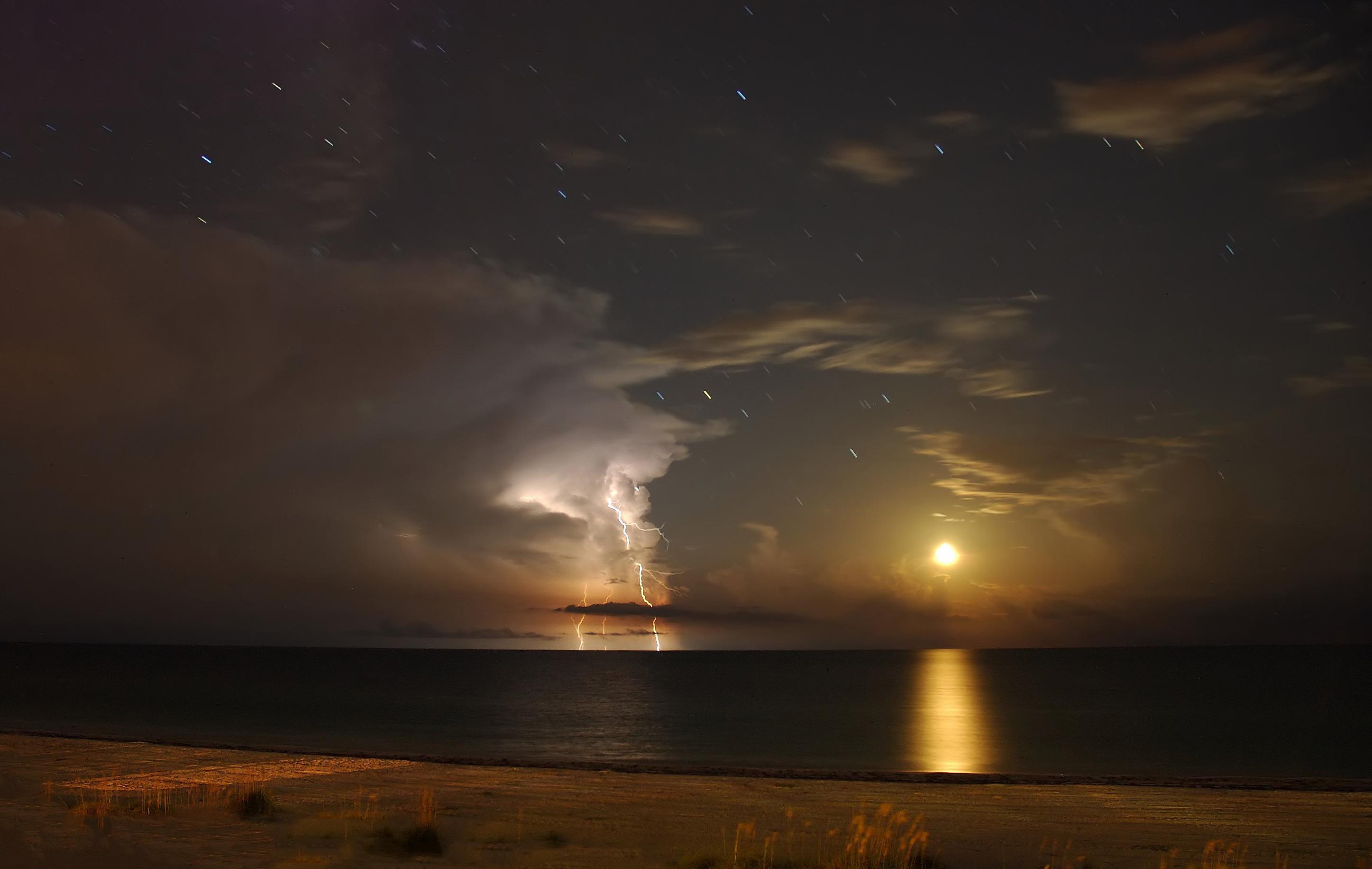 Wallpaper moon lightning gulf of mexico anna maria island florida 2894x1832