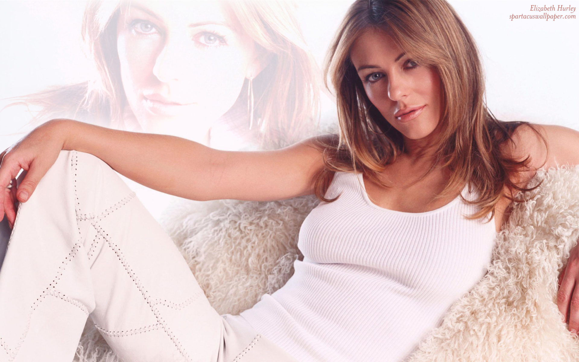 Elizabeth Hurley III Desktop Backgrounds Mobile Home 1920x1200