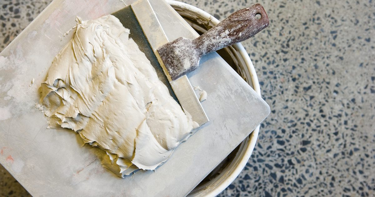 How to skim coat over paint eHow UK 1200x630