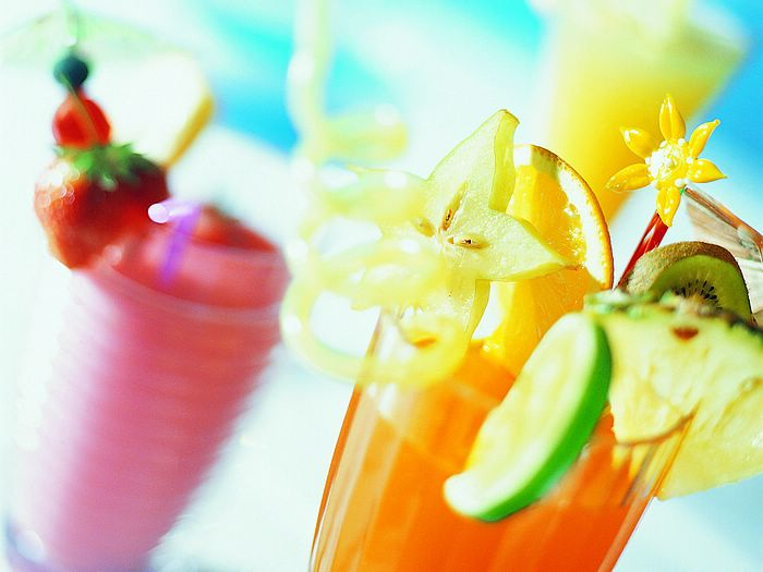 Ttropical Drinks Wallpaper Glass Cocktail Fruit Juice Drink 700x525
