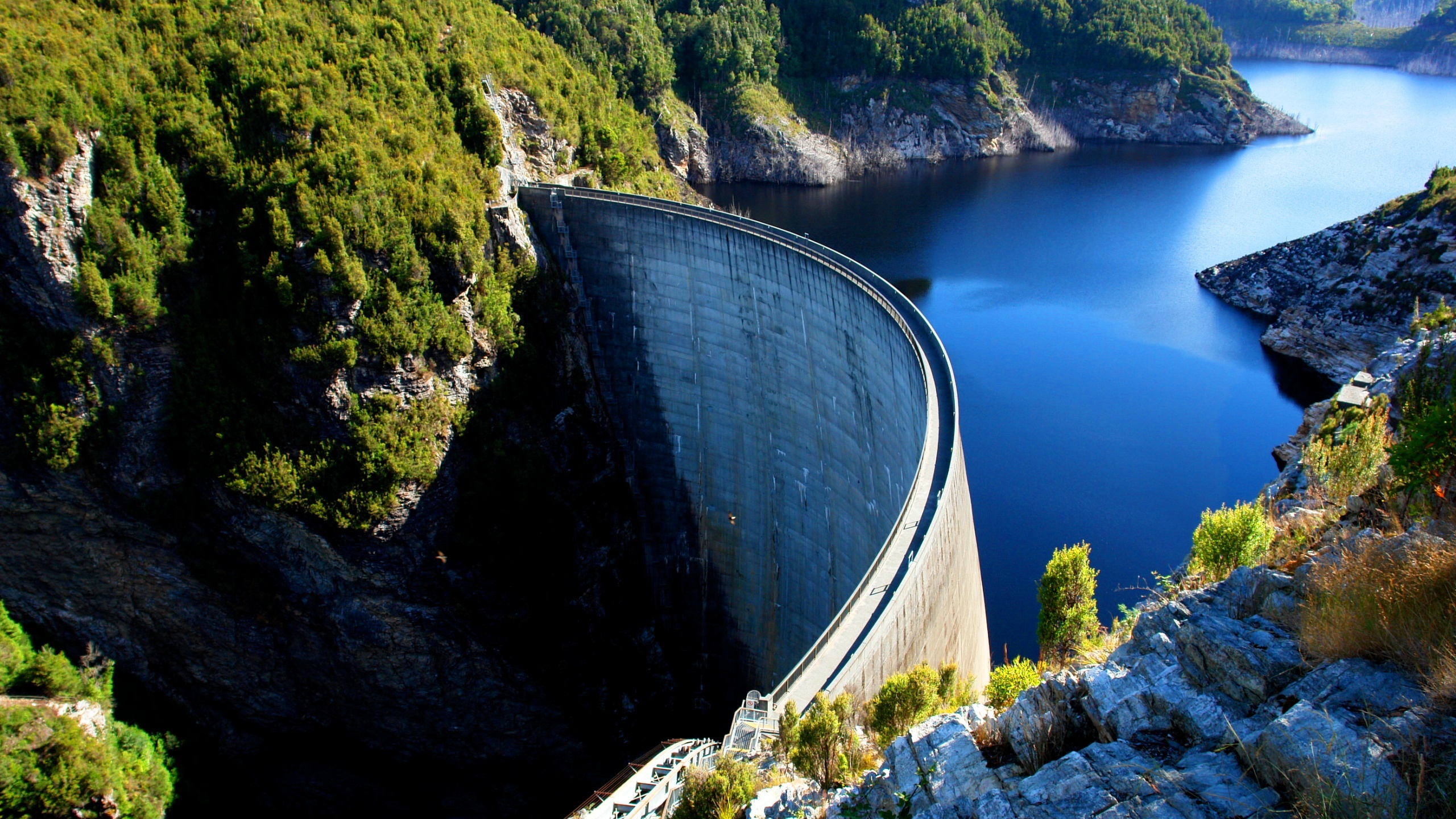 Gordon Dam Tasmania Australia Wallpapers   2560x1440   1465659 2560x1440