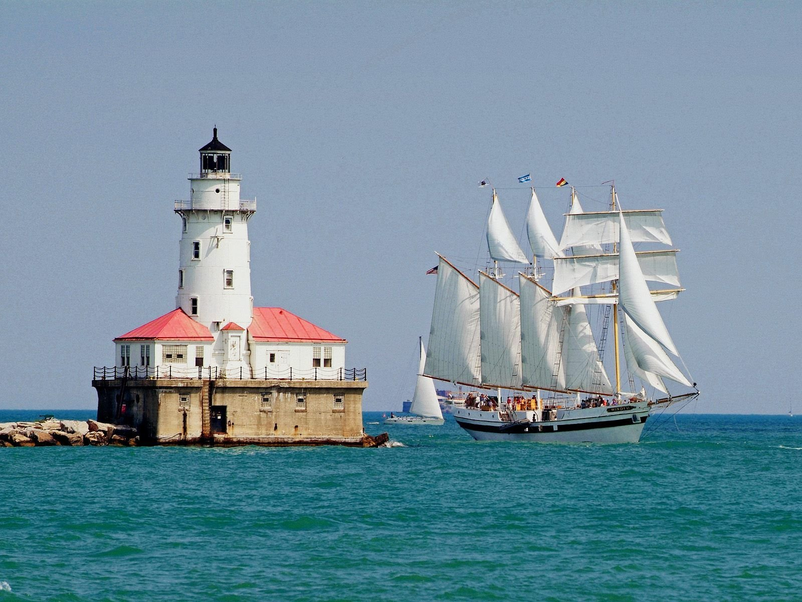 Tall Ship Windy Sails Past The Chicago Harbour Lighthouse Illinoi 1600x1200