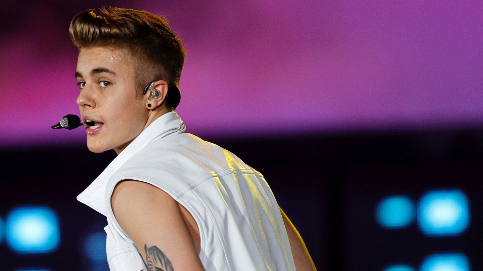 Wallpaper download justin bieber - Justin Bieber Singing Hd Wallpaperwelcome To Starchop