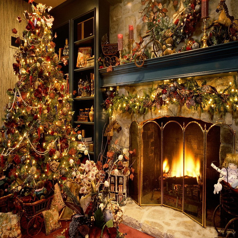 Christmas Tree Fireplace Wallpaper download   Download 800x800