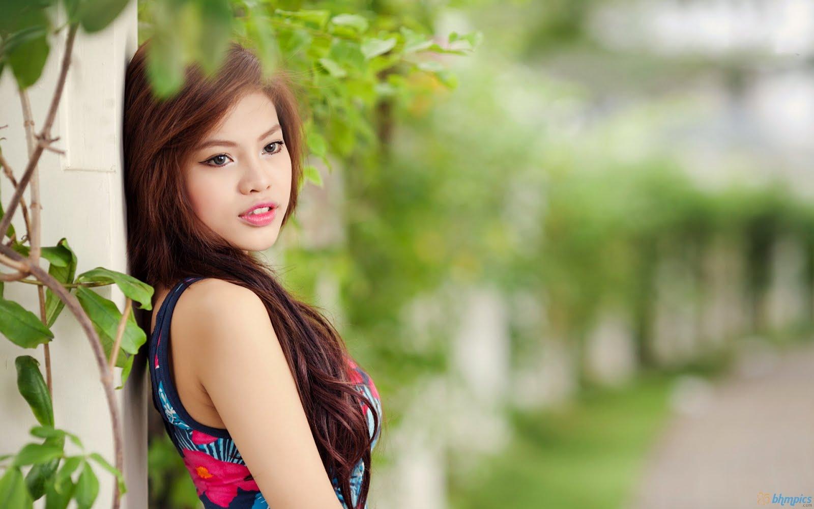HD WALLPAPERS FOR DESKTOP nice beautiful girl face 1600x1000