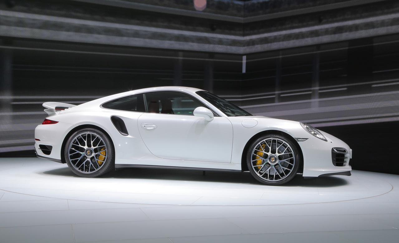 2014 porsche 911 turbo s photo 538893 s - 911 Porsche Turbo 2015