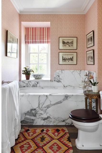Surround Pink Wallpaper   Small Bathroom Ideas houseandgardencouk 426x639
