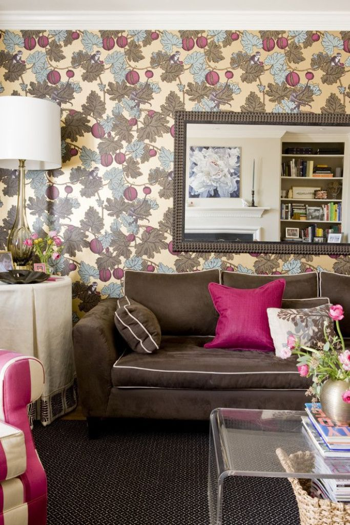 20 Living Rooms with Beautiful Floral Wallpaper Rilane   We Aspire 683x1025